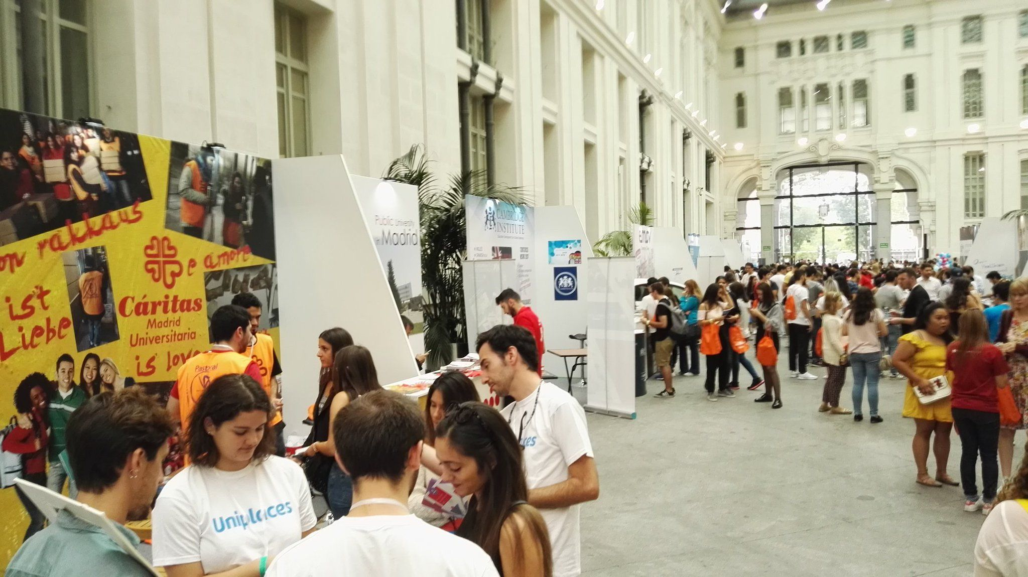 Stands_Madrid_student_welcome_day